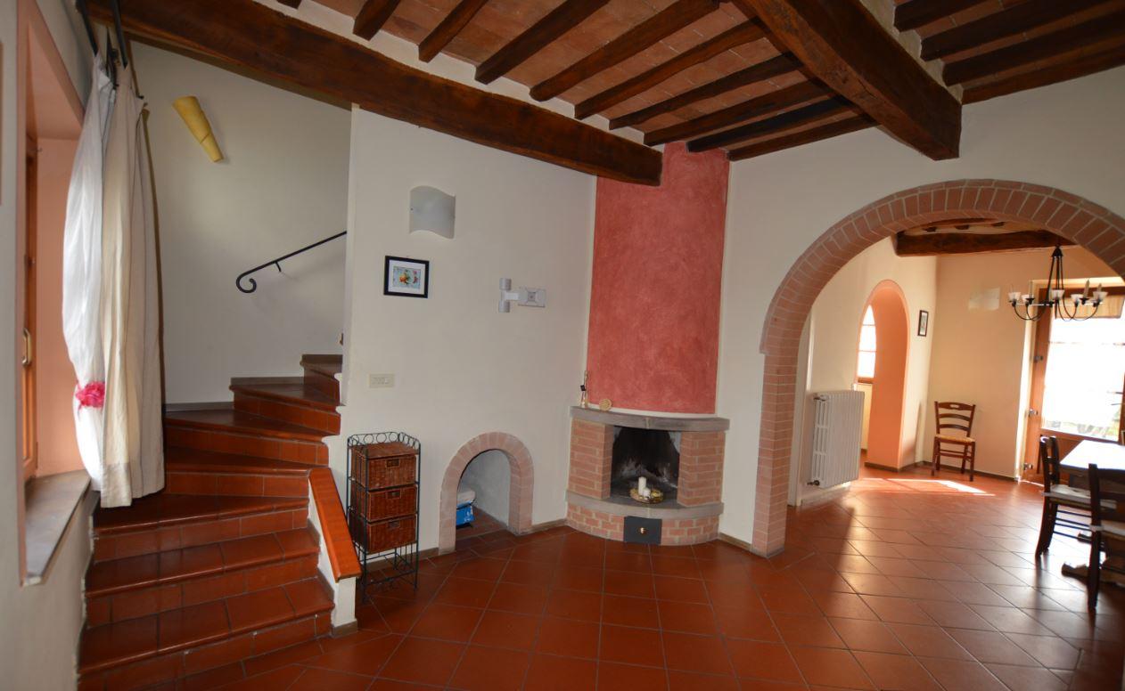 Soluzione Indipendente in affitto a Gambassi Terme, 4 locali, prezzo € 530 | CambioCasa.it