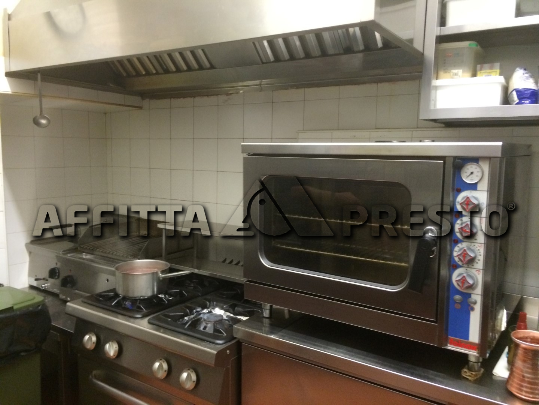 Attività / Licenza in affitto a Pisa, 3 locali, prezzo € 1.950 | CambioCasa.it