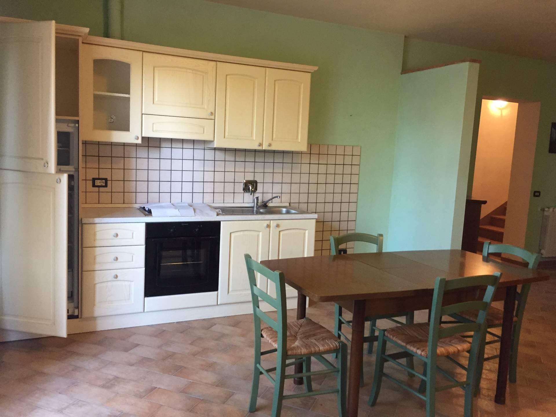 Appartamento in affitto a Montaione, 4 locali, prezzo € 500 | CambioCasa.it