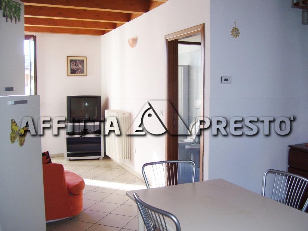 Attico / Mansarda in affitto a Ravenna, 3 locali, zona Località: VillaggioAnic, prezzo € 480   CambioCasa.it