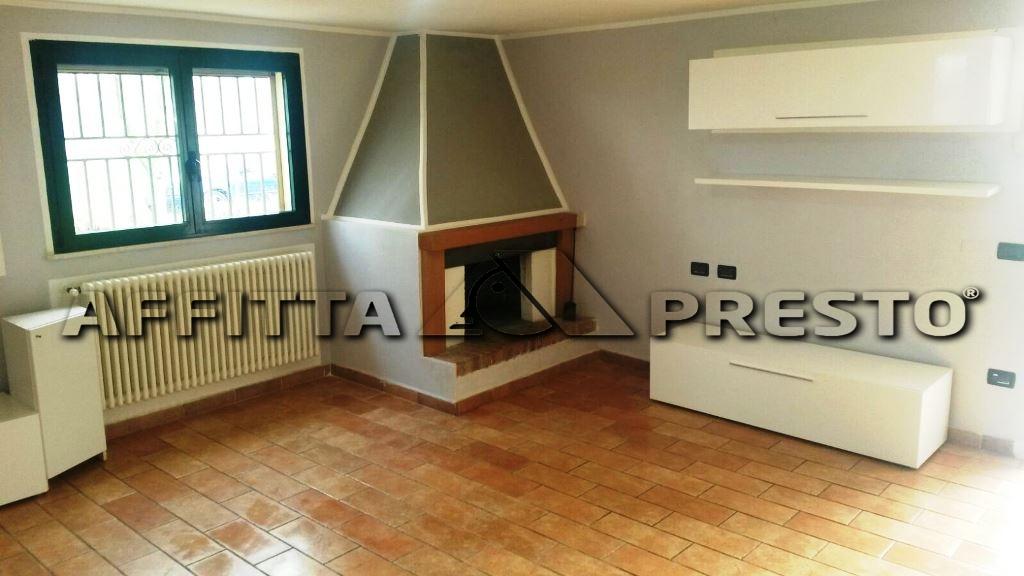 Soluzione Indipendente in affitto a Ravenna, 2 locali, zona Località: S.Alberto, prezzo € 450 | CambioCasa.it