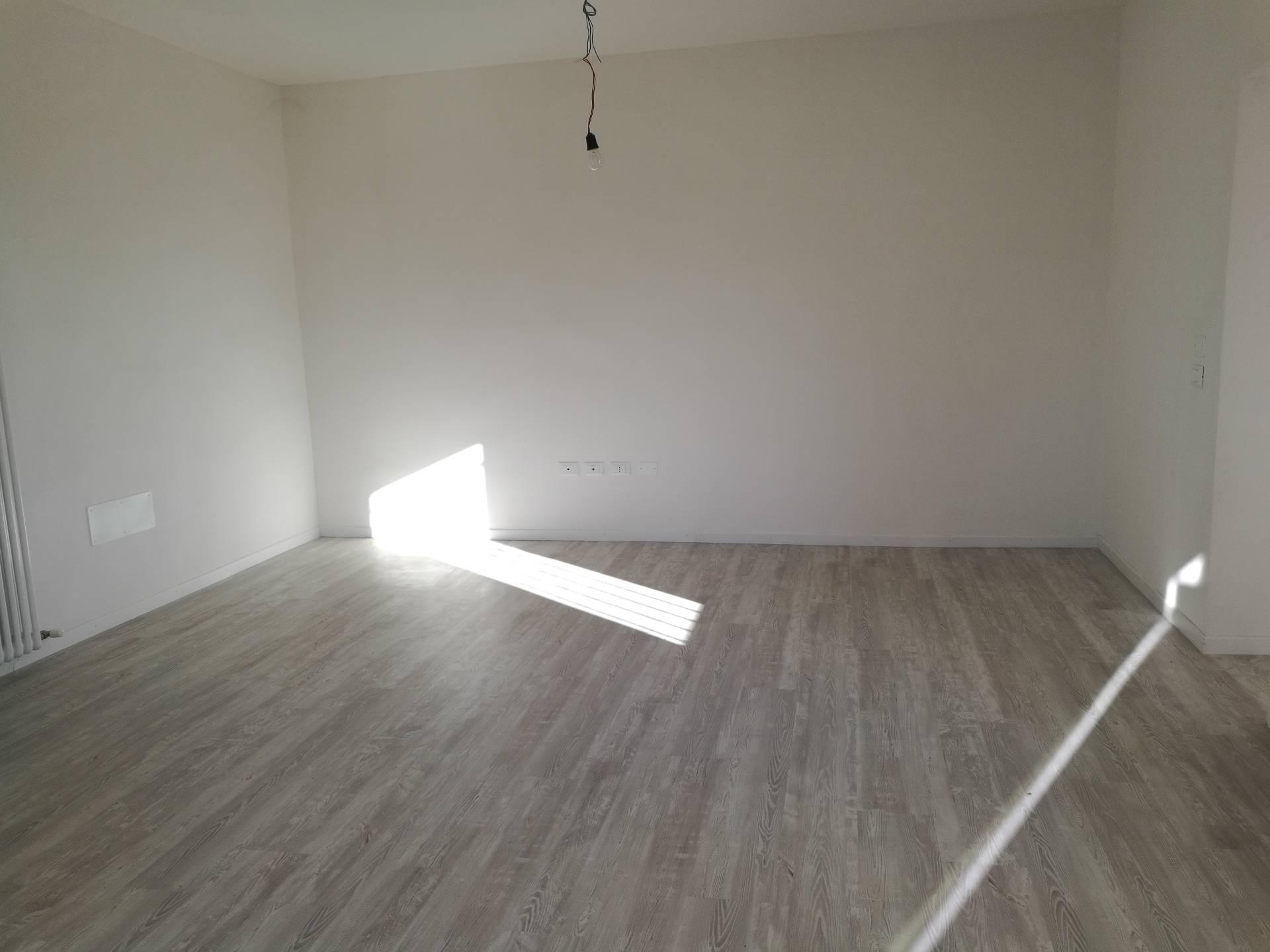 Appartamento in affitto a Lugo, 4 locali, zona Località: Semicentrale, prezzo € 600 | CambioCasa.it