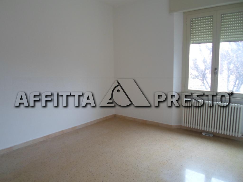 Appartamento in affitto a Bertinoro, 4 locali, zona Località: Bertinoro, prezzo € 500 | CambioCasa.it