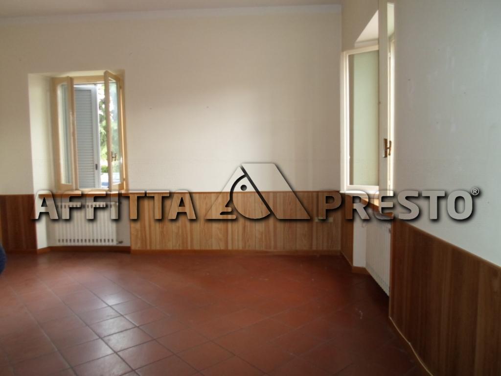 Appartamento in affitto a Cesena, 7 locali, zona Località: PonteVecchio, prezzo € 700   CambioCasa.it