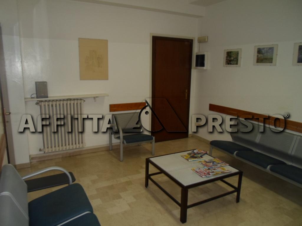 Negozio / Locale in Affitto a Cesena
