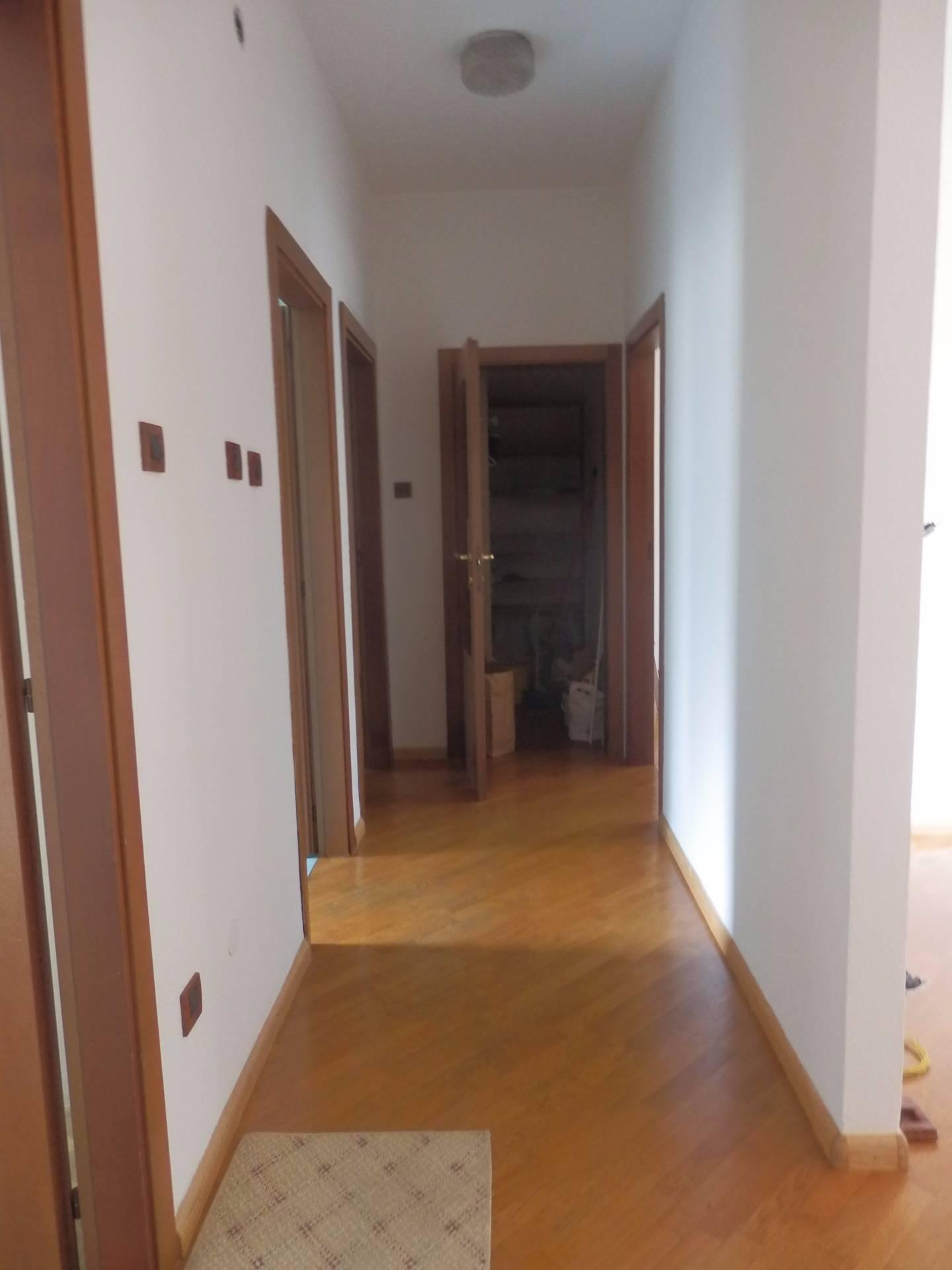 Appartamento in affitto a Bolzano, 4 locali, zona Zona: Residenziale, prezzo € 1.000 | CambioCasa.it