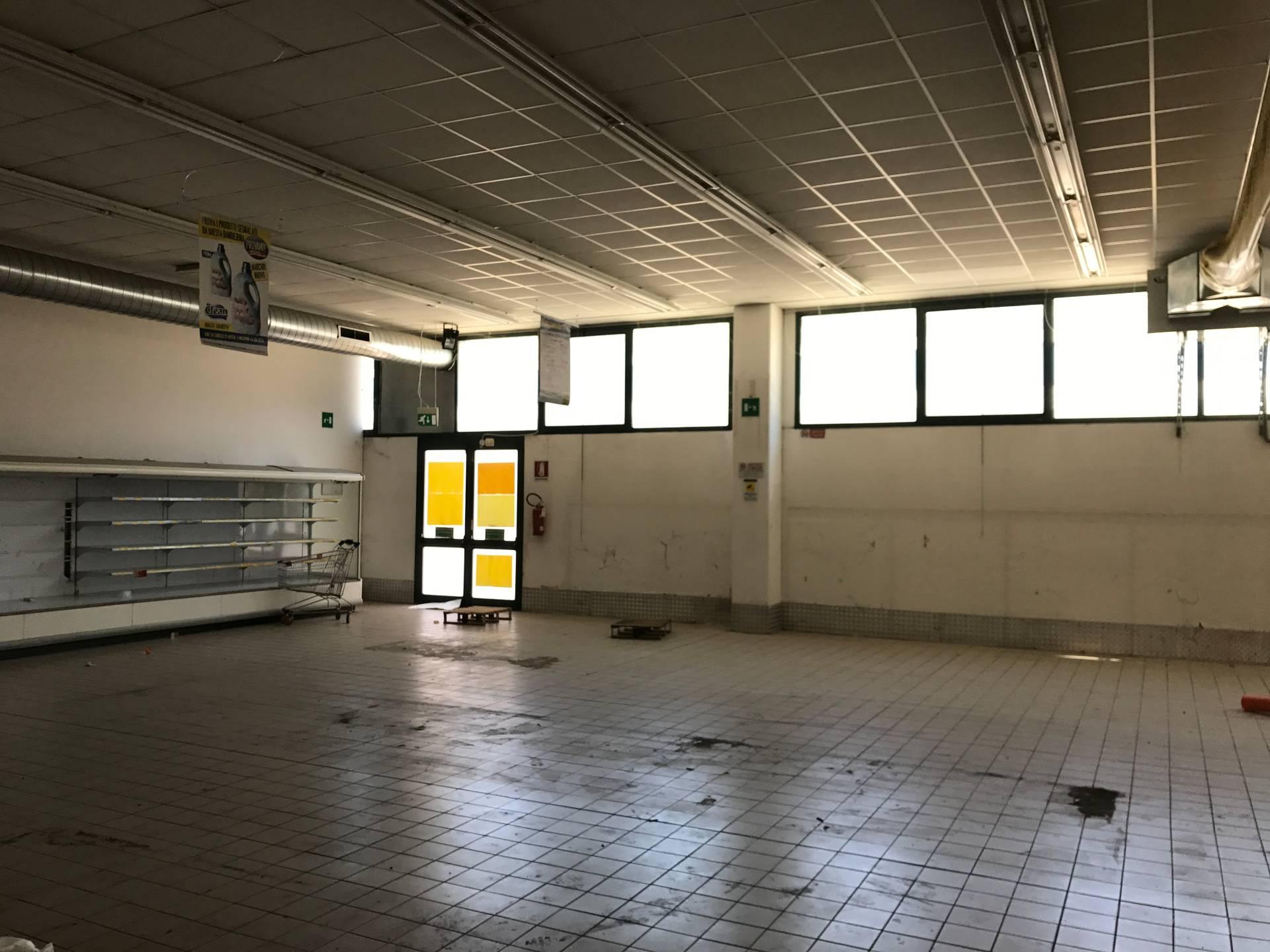 Attività / Licenza in affitto a Ponsacco, 9999 locali, zona Località: LeMelorie, prezzo € 5.000   CambioCasa.it