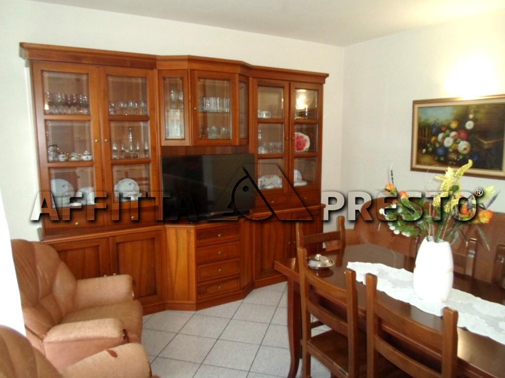 Appartamento in affitto a Cesena, 5 locali, zona Località: SanVittore, prezzo € 600 | CambioCasa.it