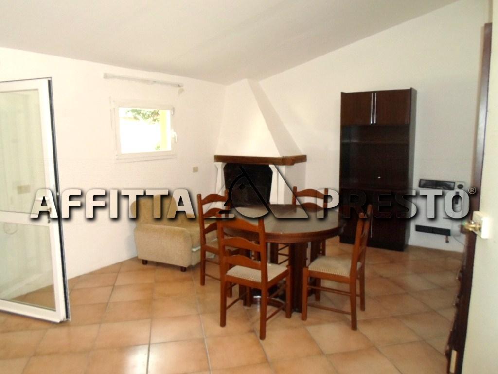 Soluzione Indipendente in affitto a Cesena, 5 locali, zona Zona: Pievesestina, prezzo € 900   CambioCasa.it