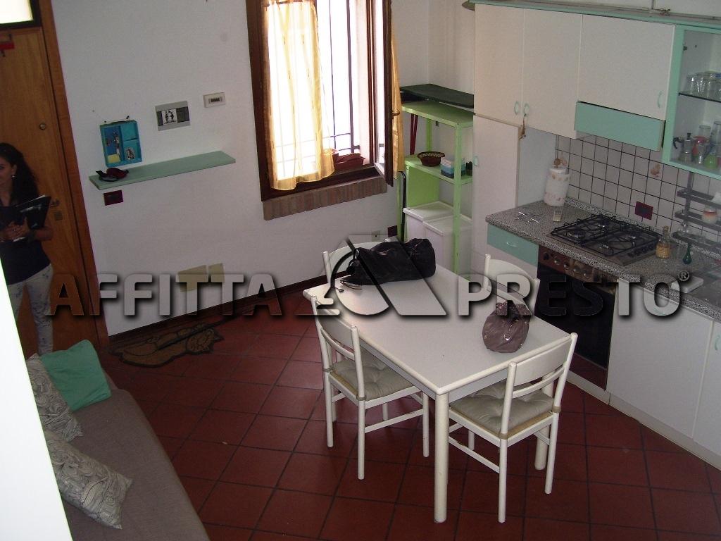 Soluzione Indipendente in affitto a Ravenna, 2 locali, zona Località: Centro, prezzo € 450   CambioCasa.it