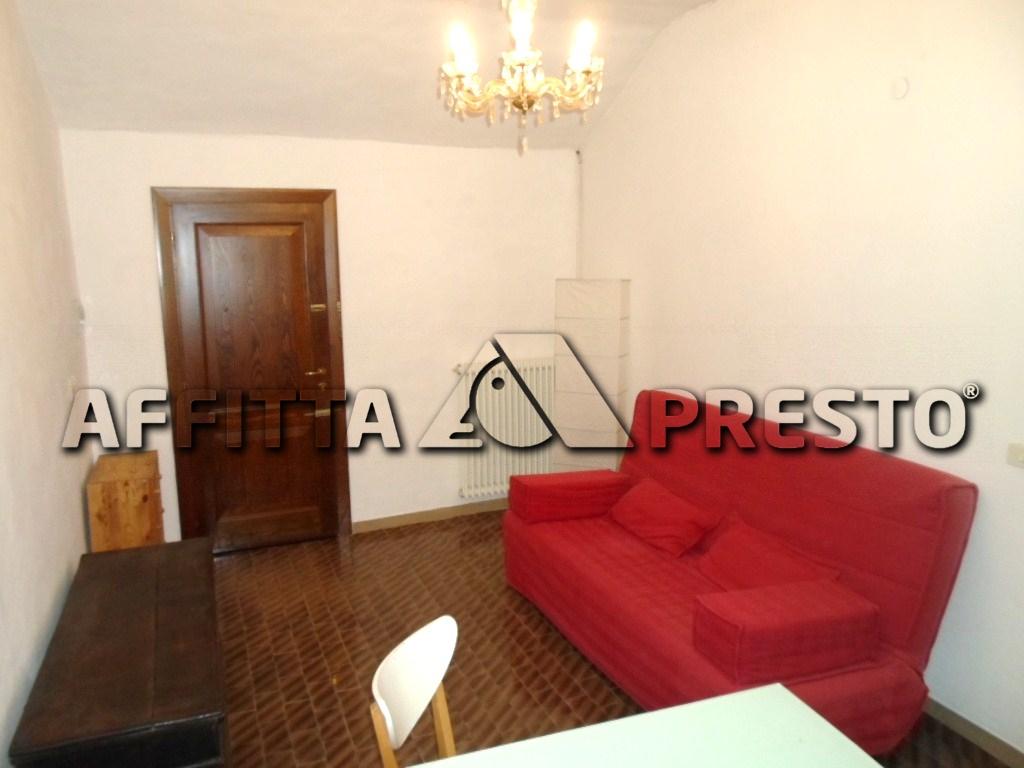 Appartamento in affitto a Cesena, 4 locali, zona Località: CENTROSTORICO, prezzo € 500   CambioCasa.it