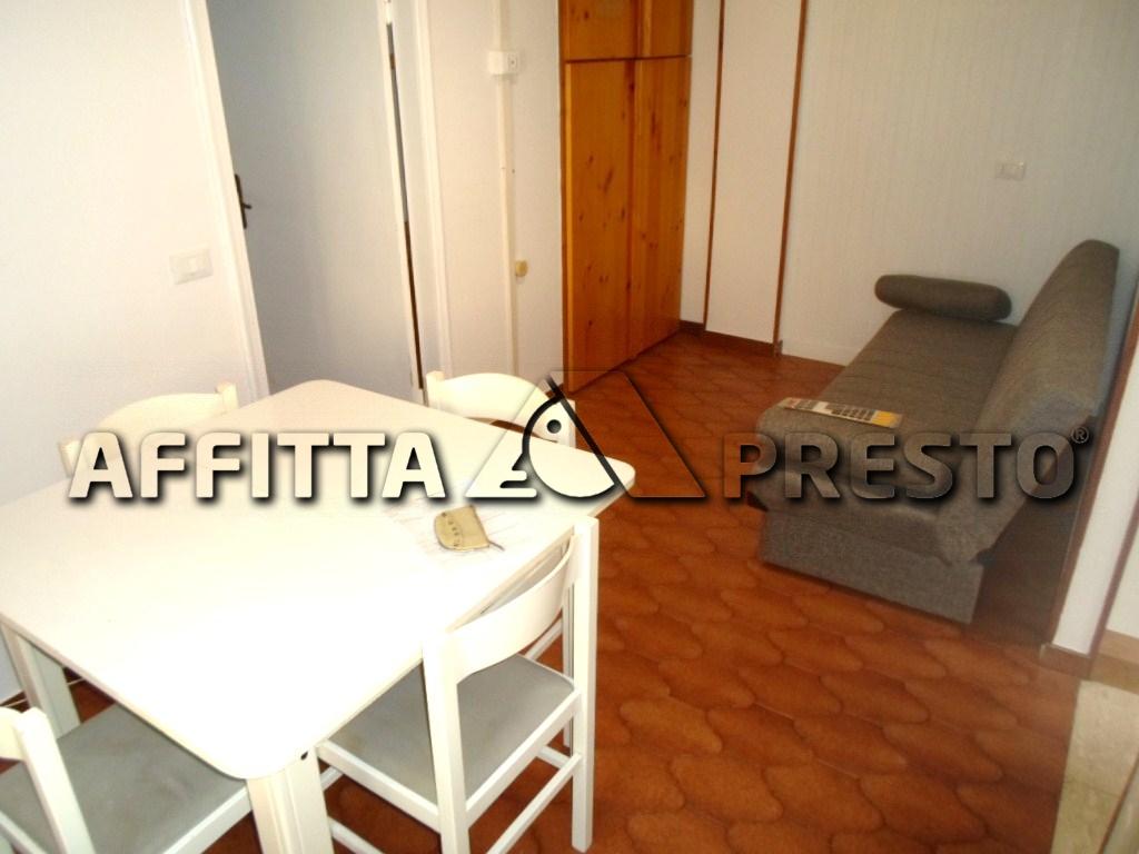 Appartamento in affitto a Cesena, 2 locali, zona Zona: Oltresavio, prezzo € 380 | CambioCasa.it