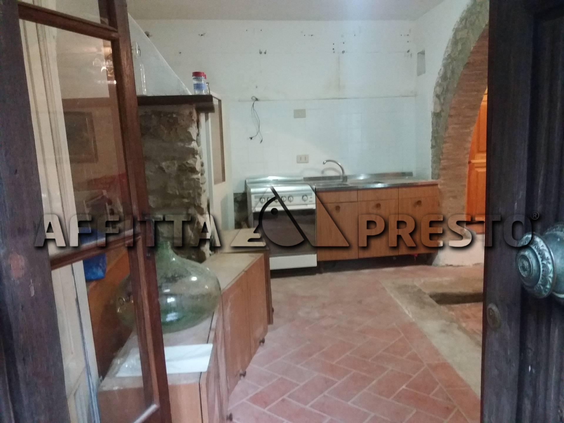 Soluzione Indipendente in affitto a Chianni, 2 locali, prezzo € 300 | CambioCasa.it