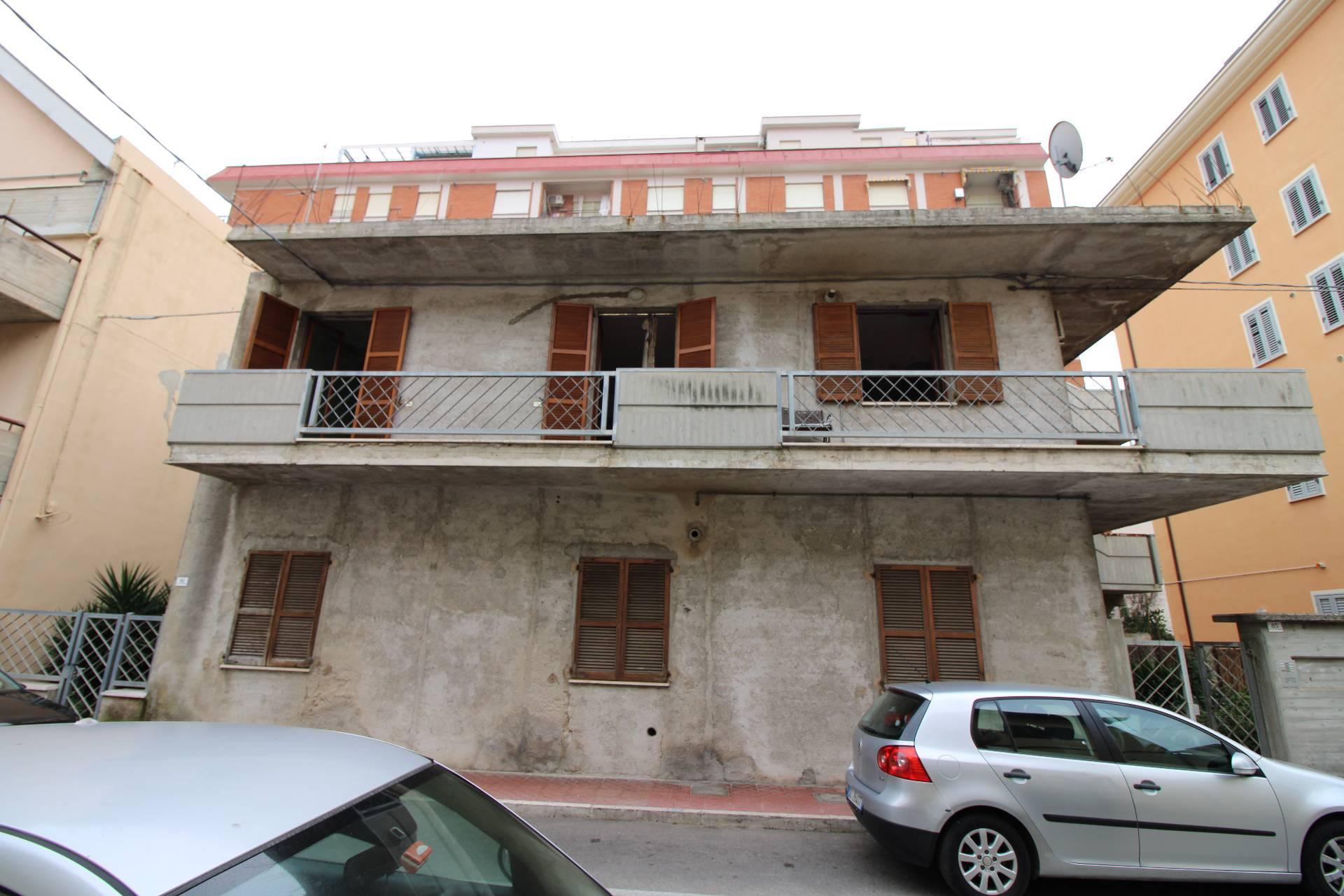 Casa indipendente in vendita a Grottammare (AP)