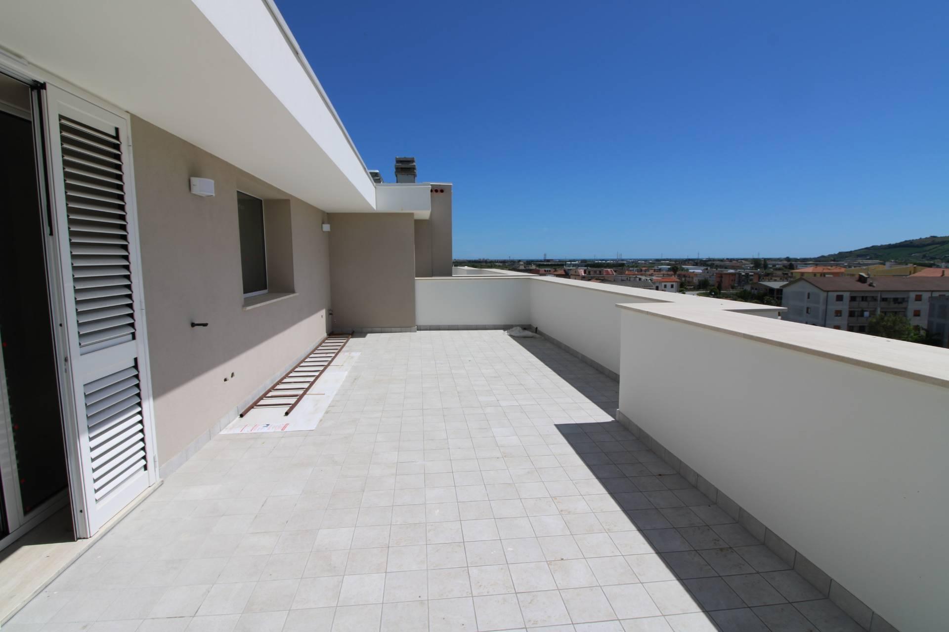 Appartamento in vendita a Monteprandone, 4 locali, zona Località: CENTOBUCHI(sottolasalaria, prezzo € 295.000   PortaleAgenzieImmobiliari.it
