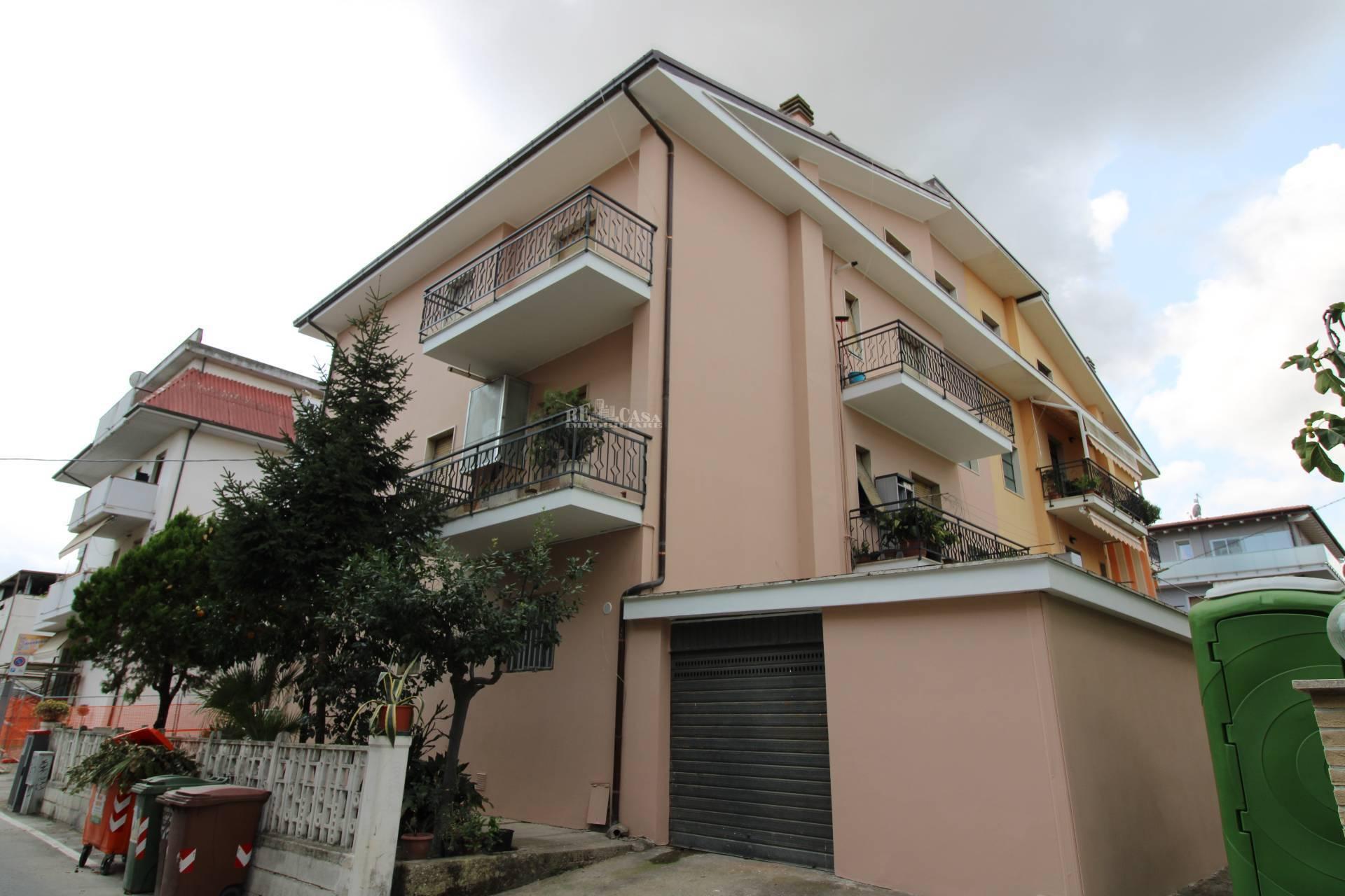 Appartamento in vendita a Monteprandone, 6 locali, zona Località: CENTOBUCHI(sottolasalaria, prezzo € 149.000   PortaleAgenzieImmobiliari.it