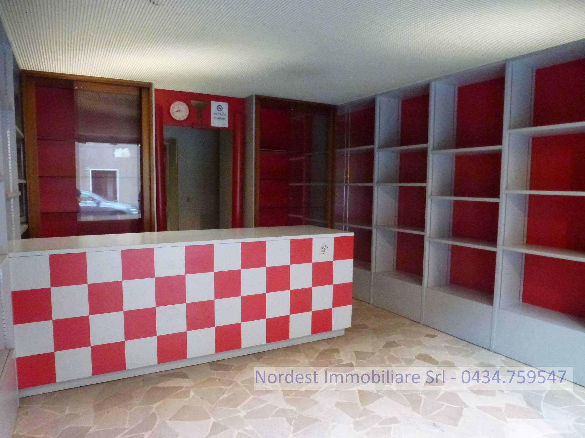 Negozio / Locale in affitto a Gaiarine, 9999 locali, prezzo € 450 | CambioCasa.it