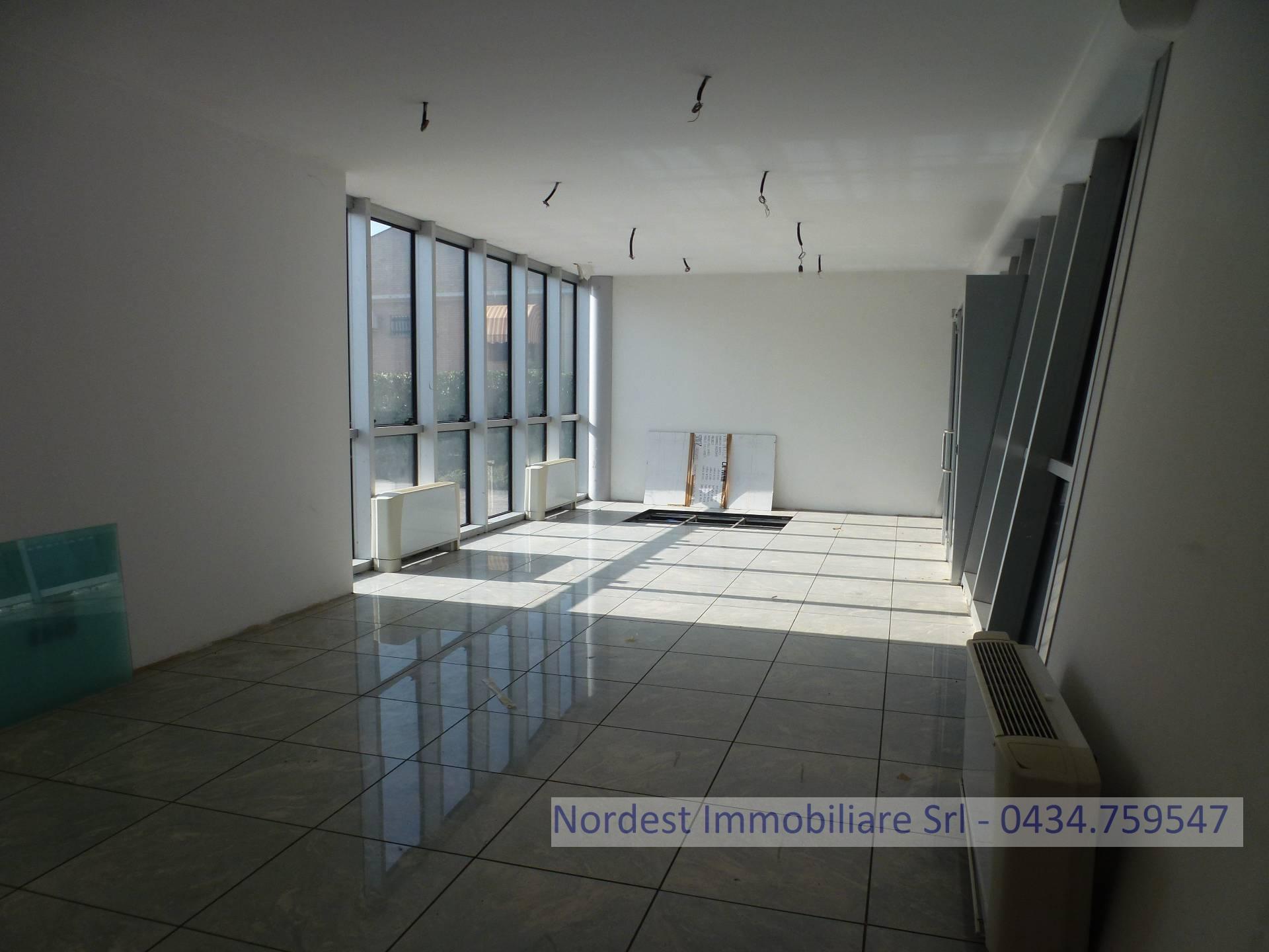 Ufficio / Studio in affitto a Codognè, 9999 locali, Trattative riservate | CambioCasa.it