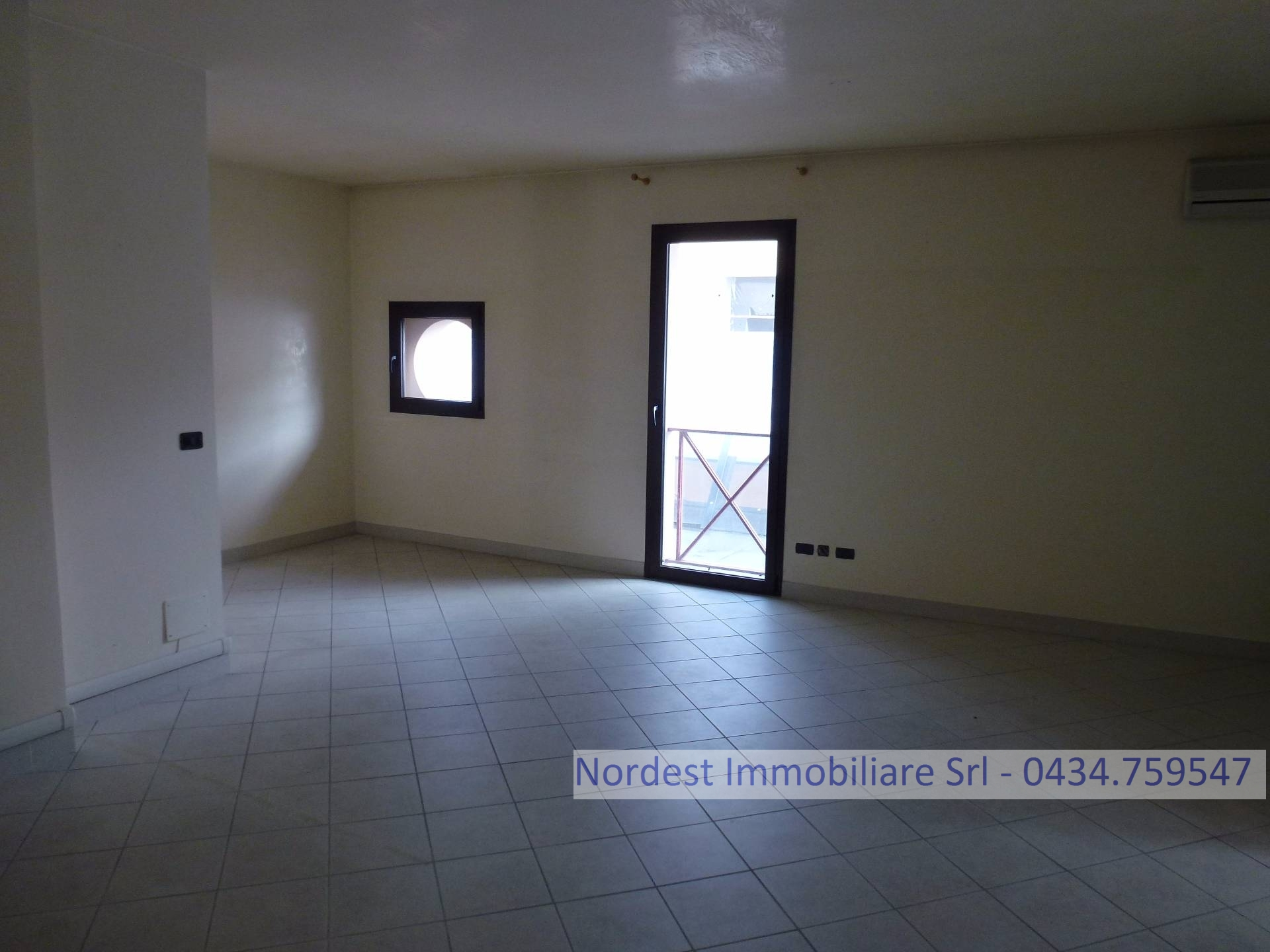 Ufficio / Studio in affitto a Gaiarine, 9999 locali, prezzo € 90.000 | PortaleAgenzieImmobiliari.it
