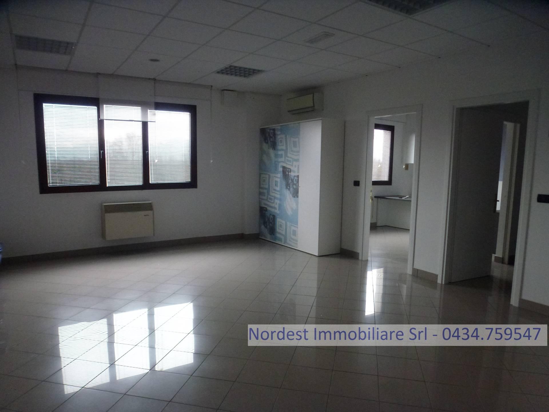 Ufficio / Studio in affitto a Gaiarine, 9999 locali, prezzo € 600 | CambioCasa.it