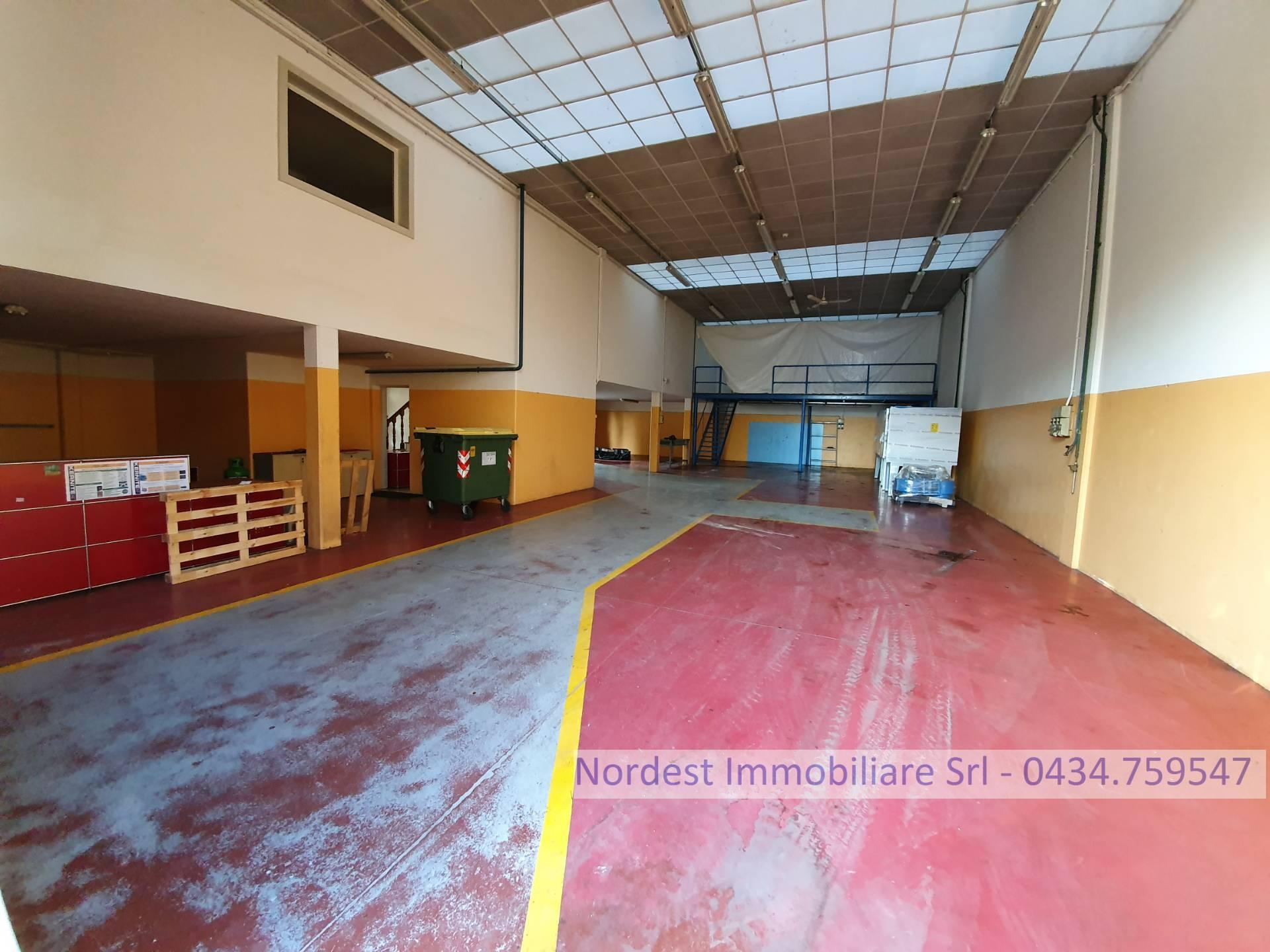 Capannone in vendita a Brugnera, 9999 locali, Trattative riservate | CambioCasa.it