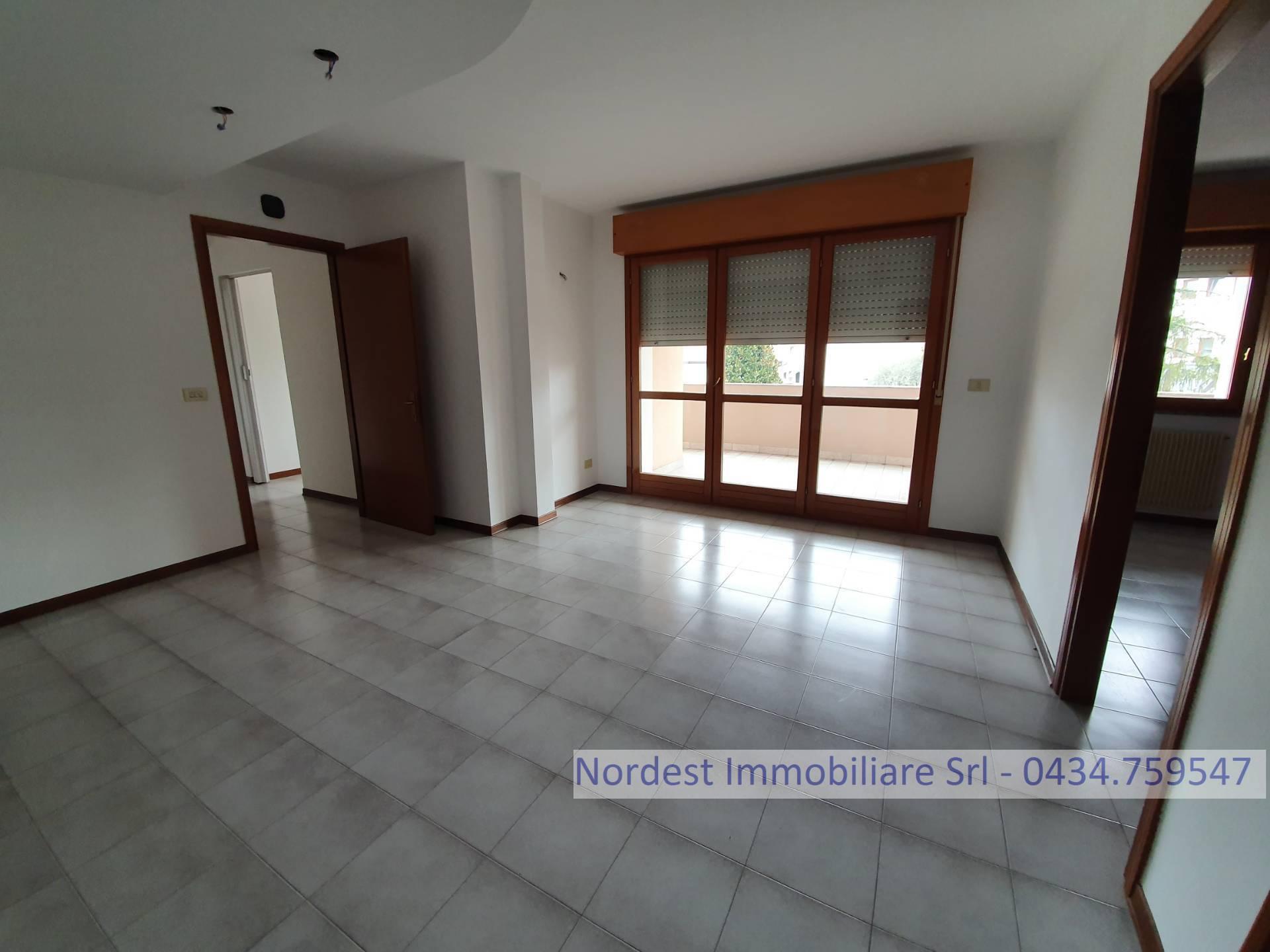 Ufficio / Studio in affitto a Prata di Pordenone, 9999 locali, prezzo € 500 | CambioCasa.it