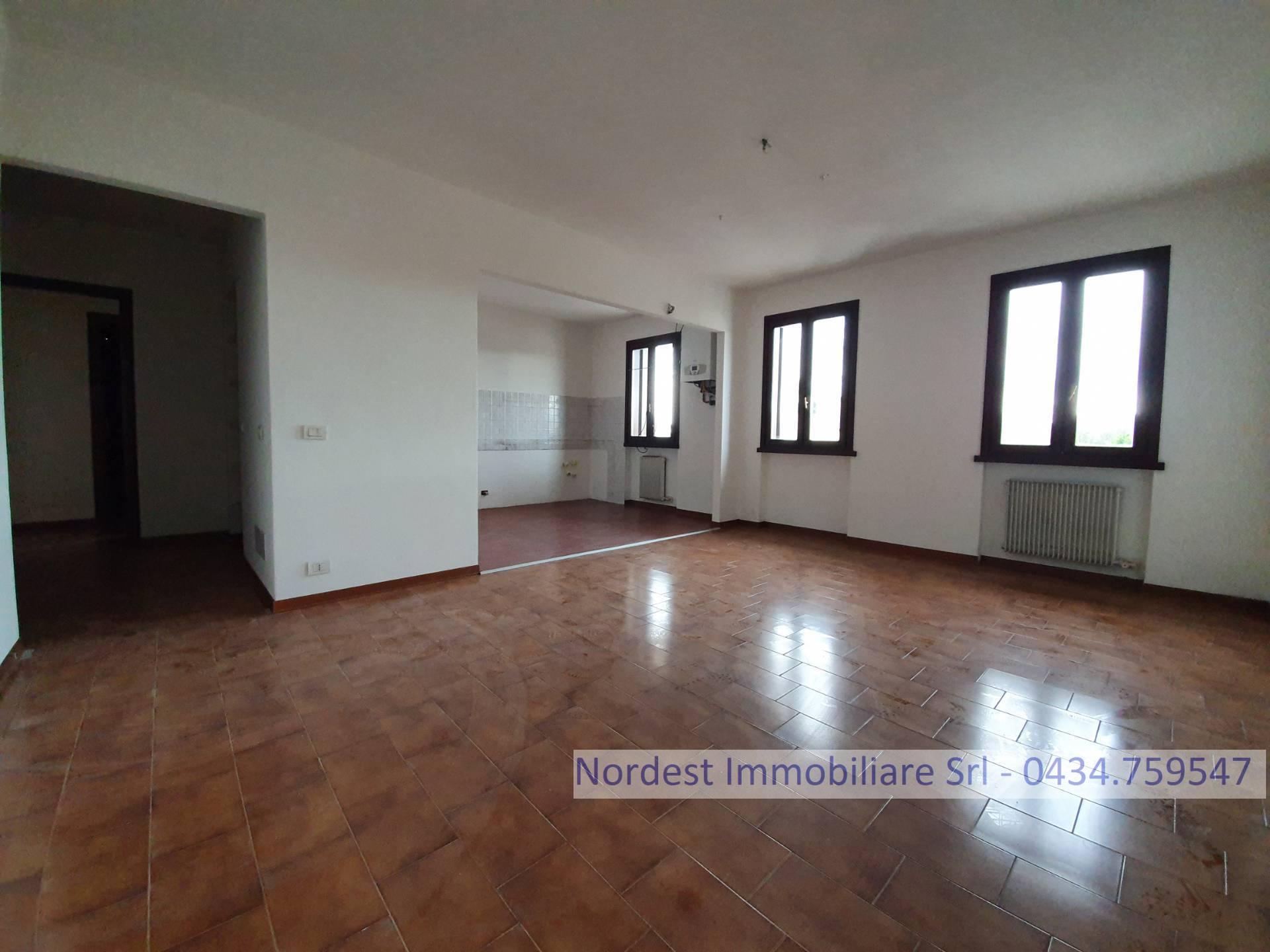 Appartamento in affitto a Gaiarine, 5 locali, Trattative riservate | CambioCasa.it