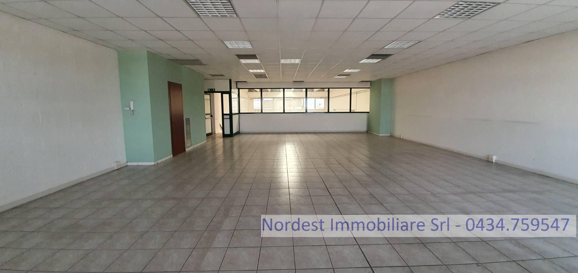 Ufficio / Studio in affitto a Prata di Pordenone, 9999 locali, prezzo € 850 | CambioCasa.it