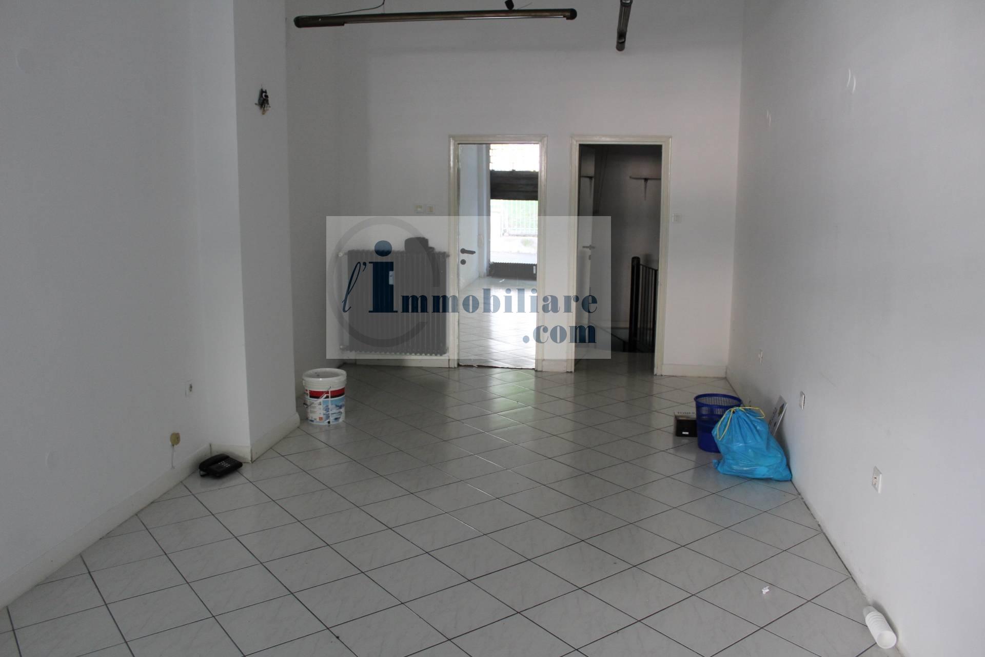 Negozio / Locale in vendita a Bolzano, 1 locali, zona Zona: Residenziale, prezzo € 75.000 | CambioCasa.it