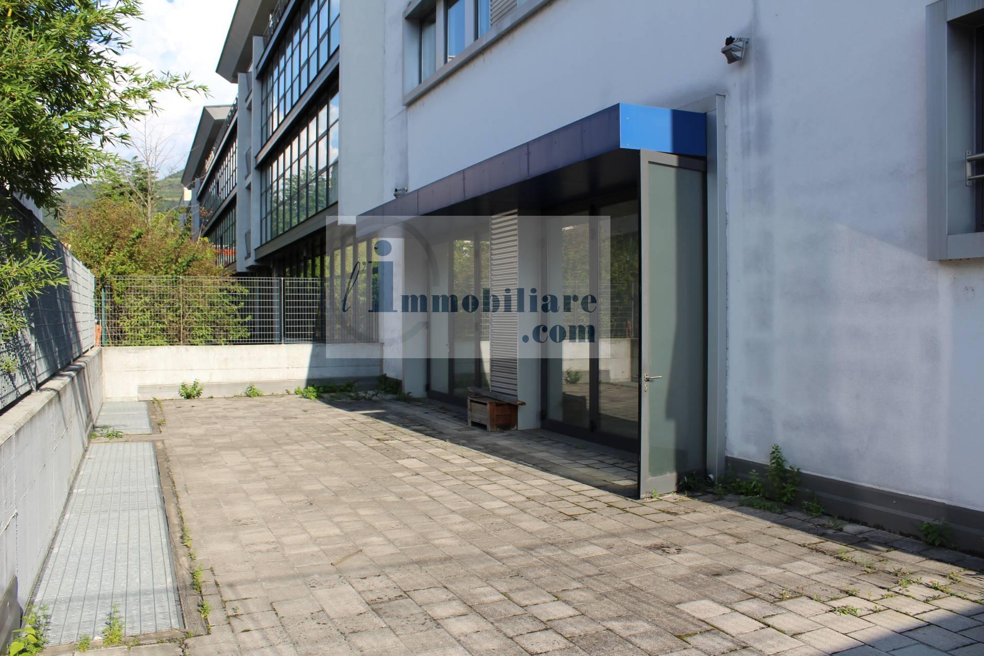 Capannone in vendita a Bolzano, 6 locali, zona Zona: Periferia, prezzo € 1.500.000 | CambioCasa.it