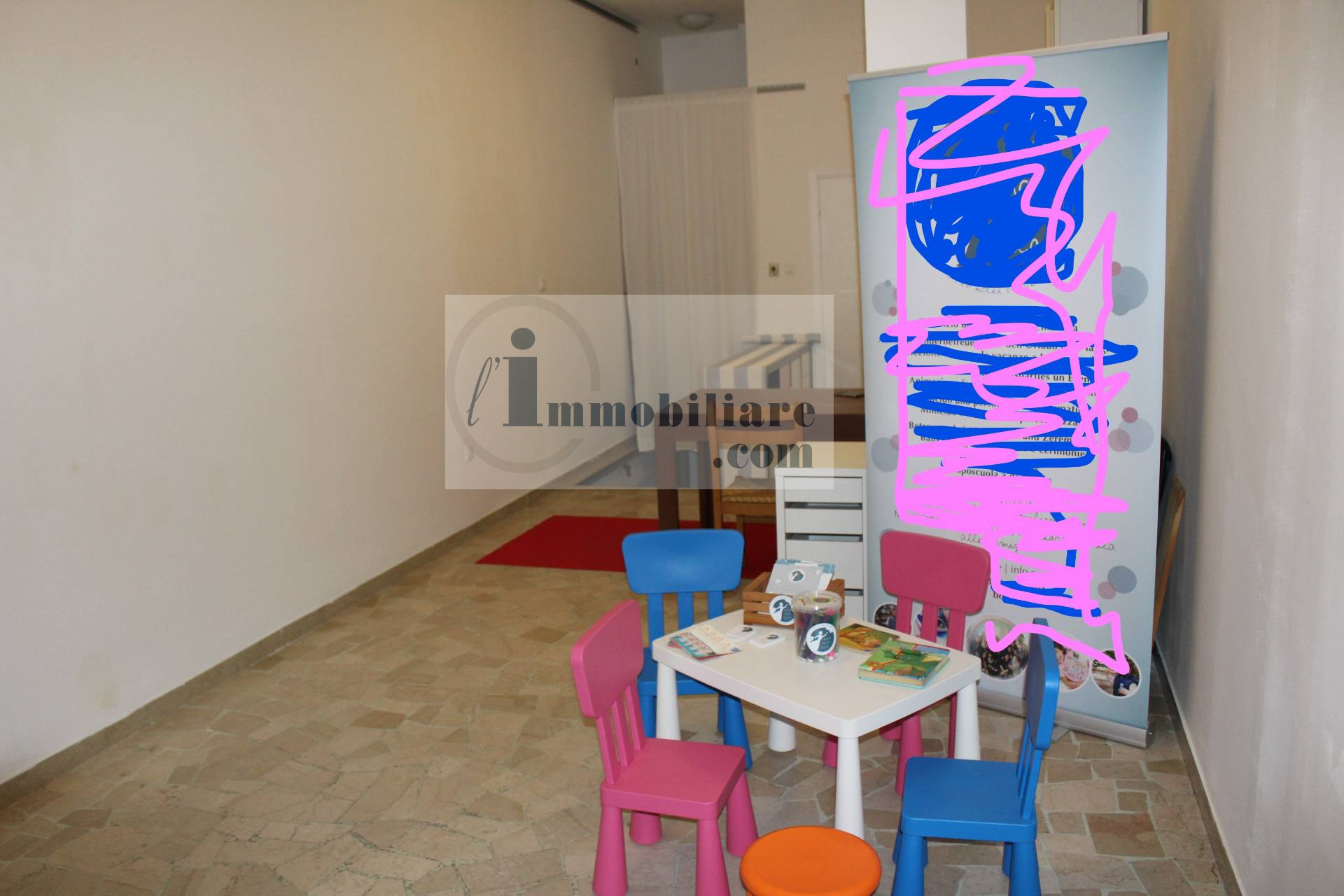 Negozio / Locale in affitto a Bolzano, 9999 locali, zona Zona: Residenziale, prezzo € 550 | CambioCasa.it