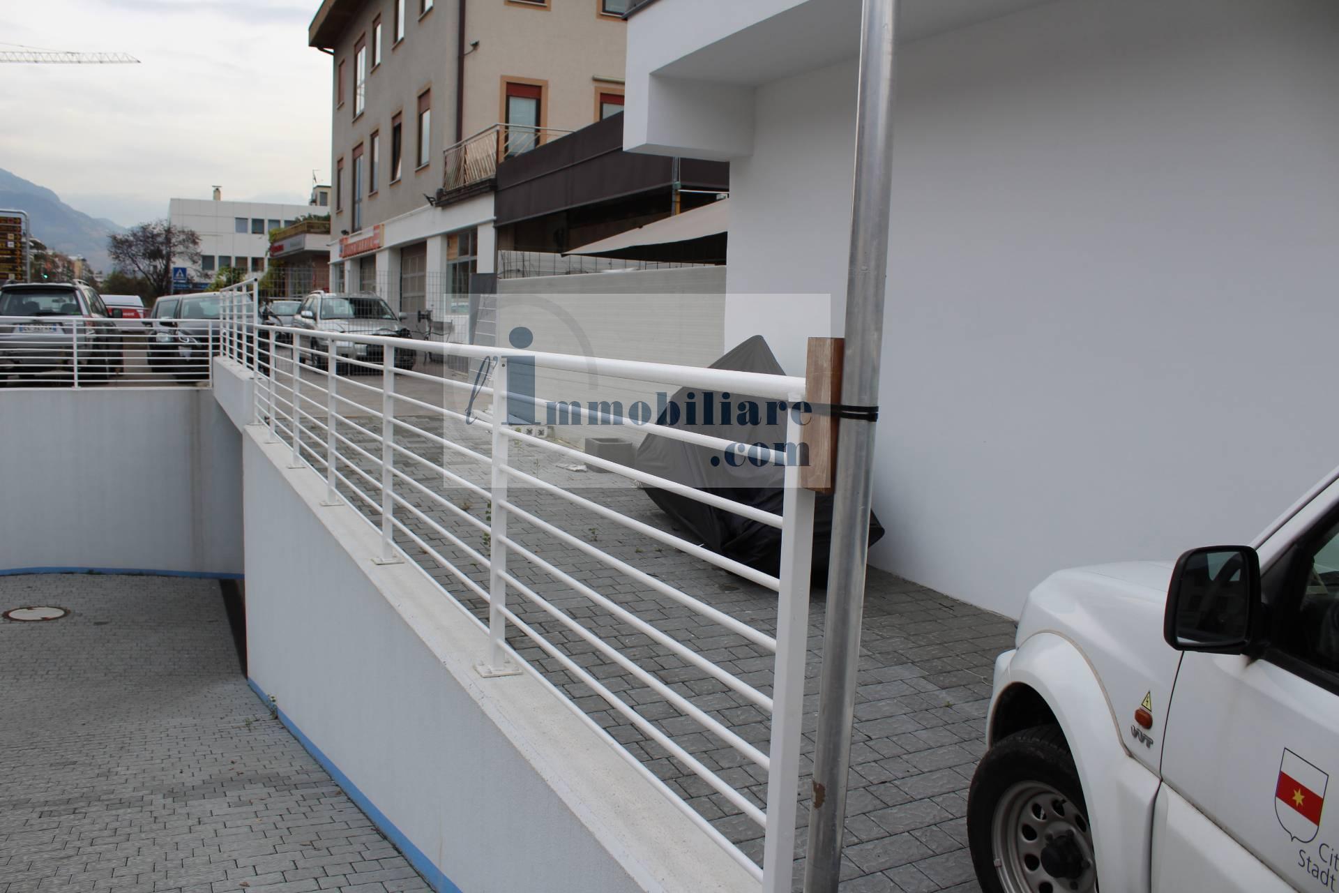 Magazzino in affitto a Bolzano, 9999 locali, zona Zona: Residenziale, prezzo € 2.200 | CambioCasa.it