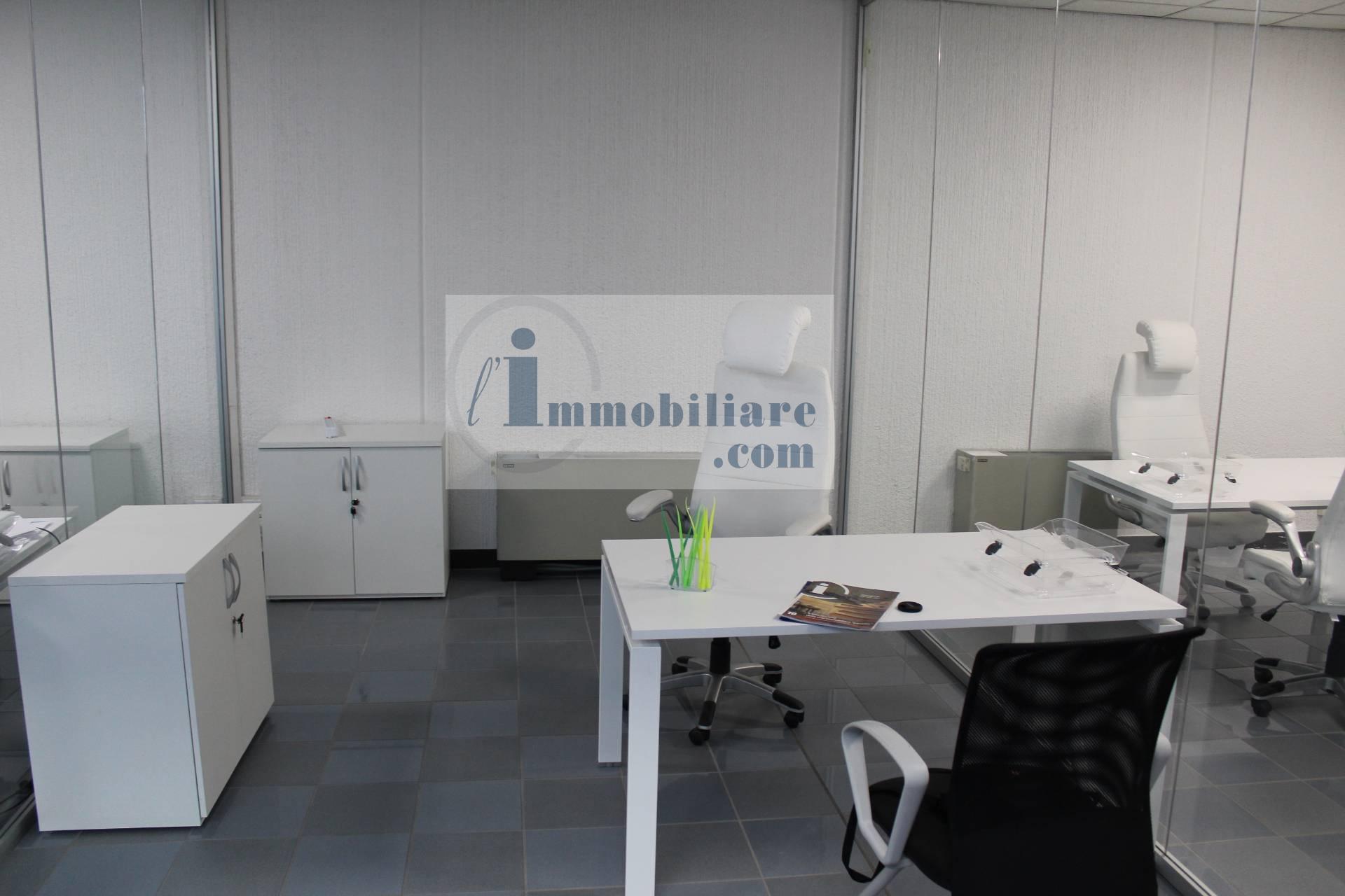 Ufficio / Studio in affitto a Bolzano, 9999 locali, zona Zona: Periferia, prezzo € 500 | CambioCasa.it
