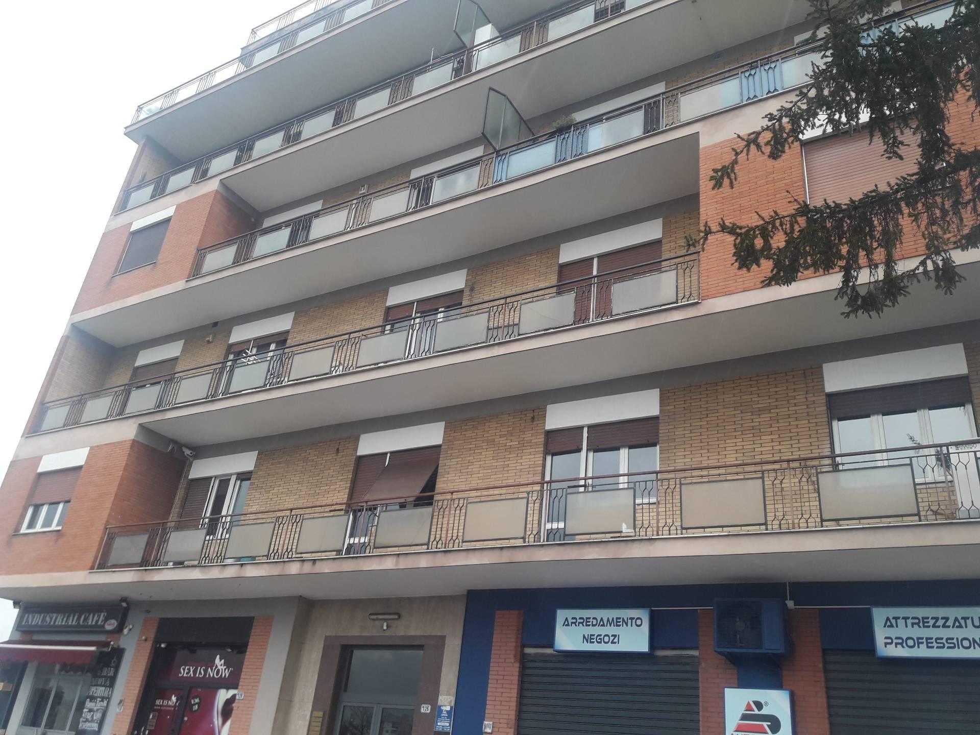 vendita appartamento frosinone centro  100000 euro  6 locali  90 mq