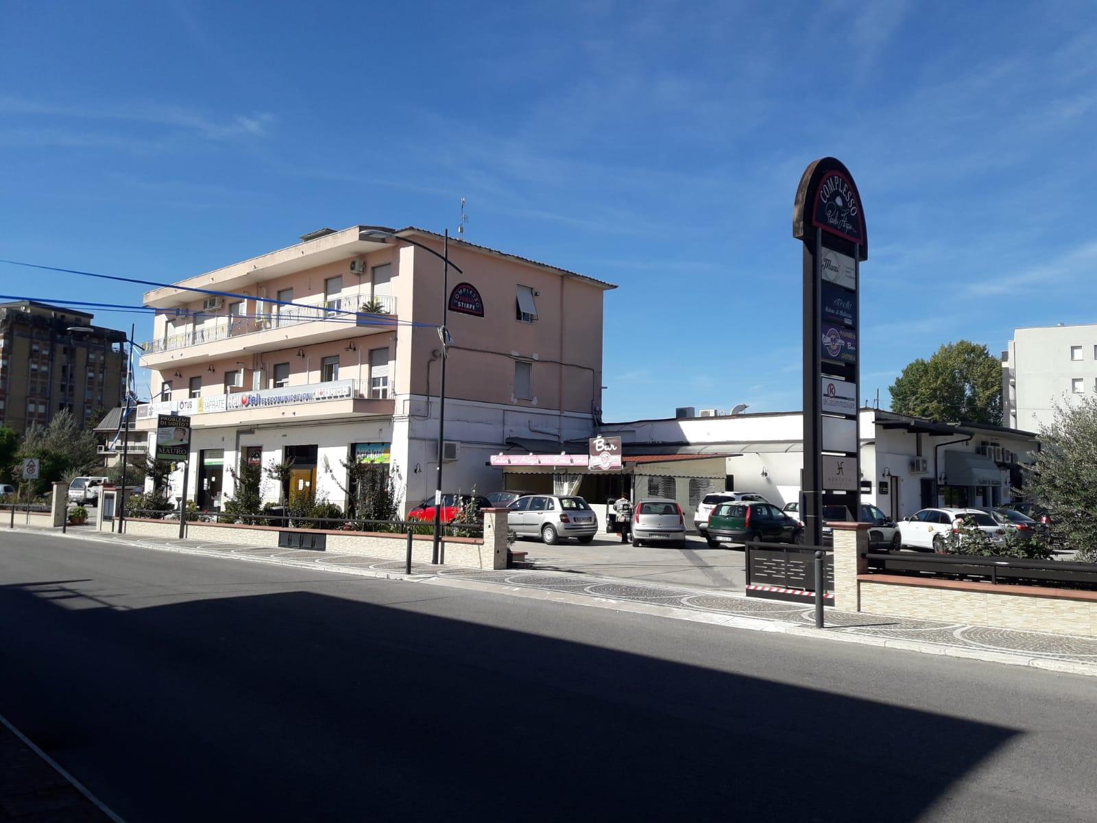 Negozio / Locale in affitto a Frosinone, 9999 locali, prezzo € 500   CambioCasa.it