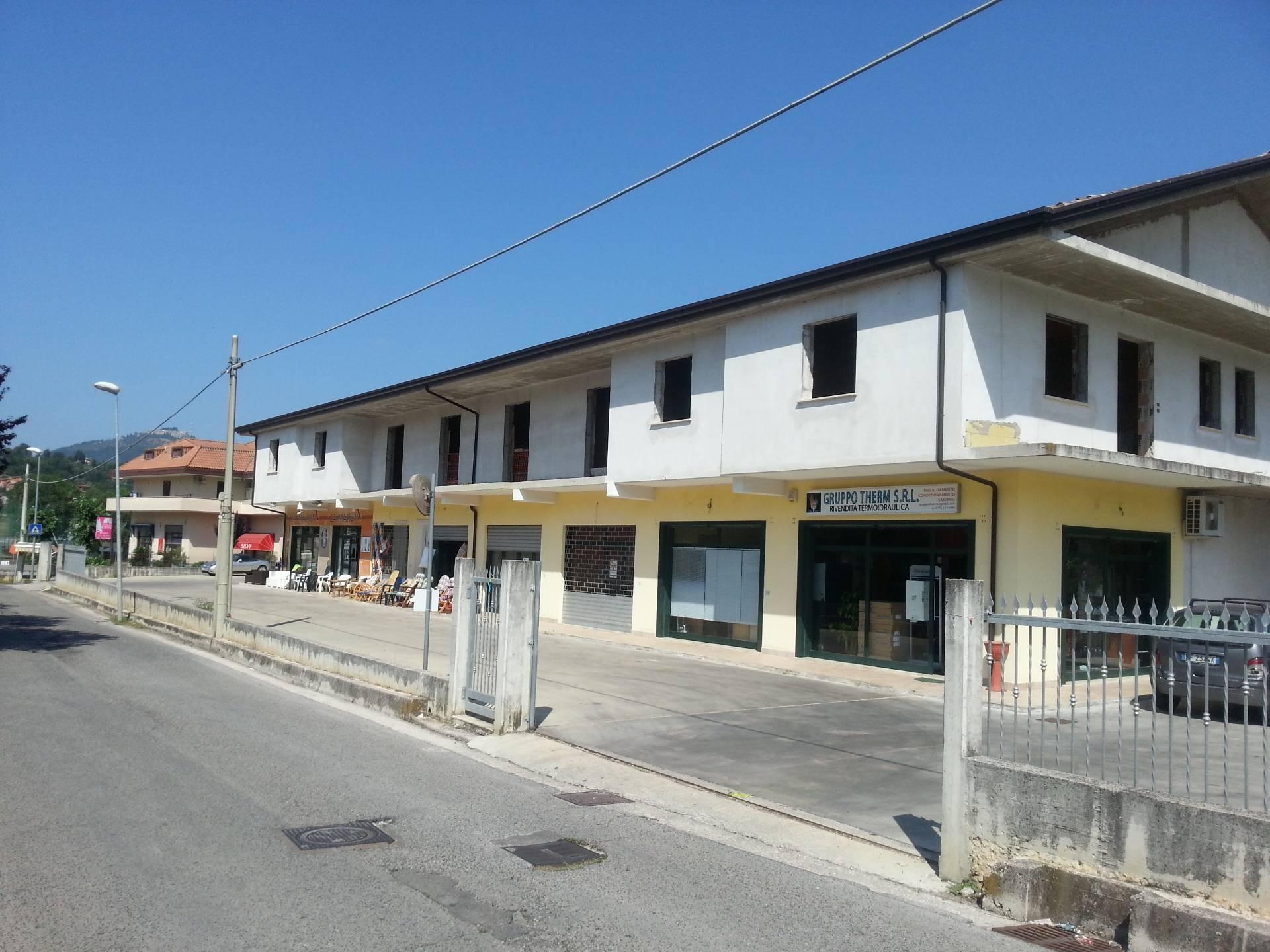 Negozio / Locale in affitto a Alatri, 9999 locali, prezzo € 800   CambioCasa.it