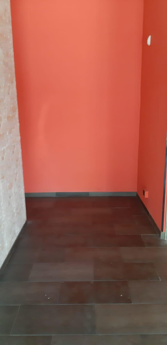 Negozio / Locale in affitto a Frosinone, 9999 locali, zona Zona: Centro, prezzo € 450 | CambioCasa.it