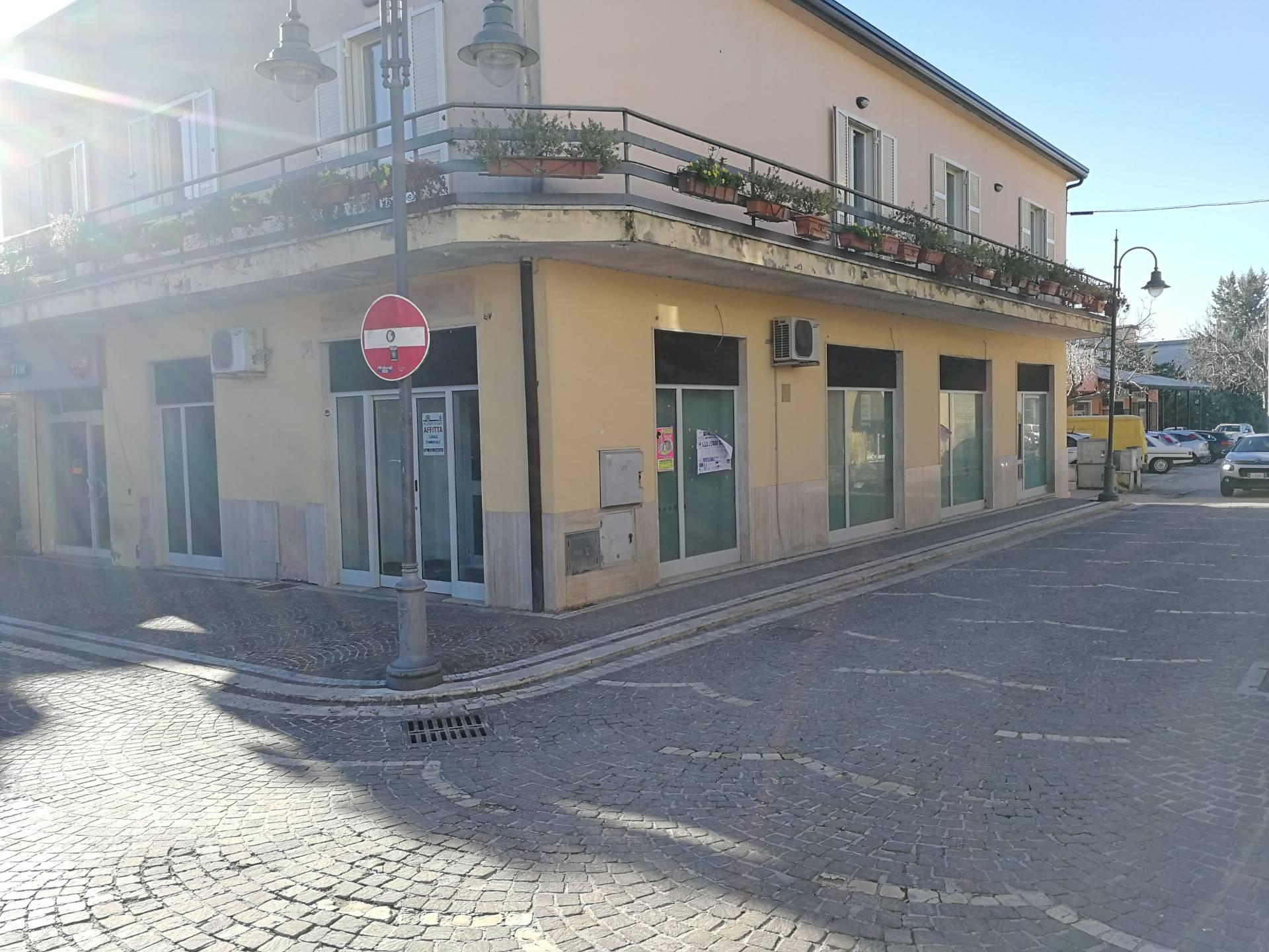 Negozio / Locale in affitto a Alatri, 9999 locali, prezzo € 1.100 | CambioCasa.it