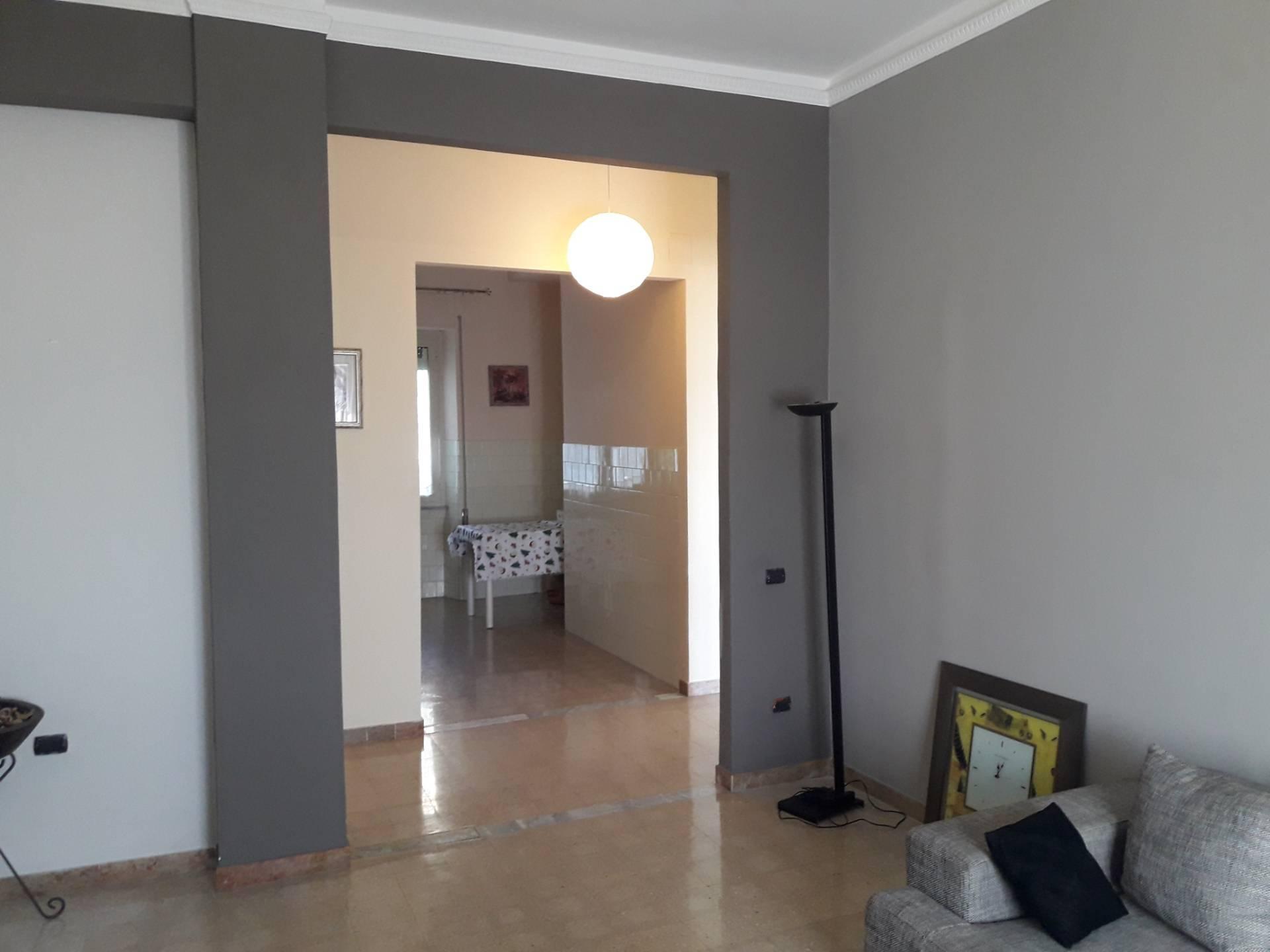 Appartamento in affitto a Frosinone, 7 locali, prezzo € 500 | CambioCasa.it