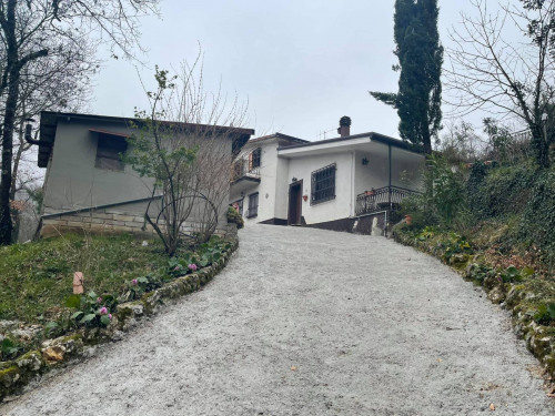 Casa singola in Vendita a Alatri