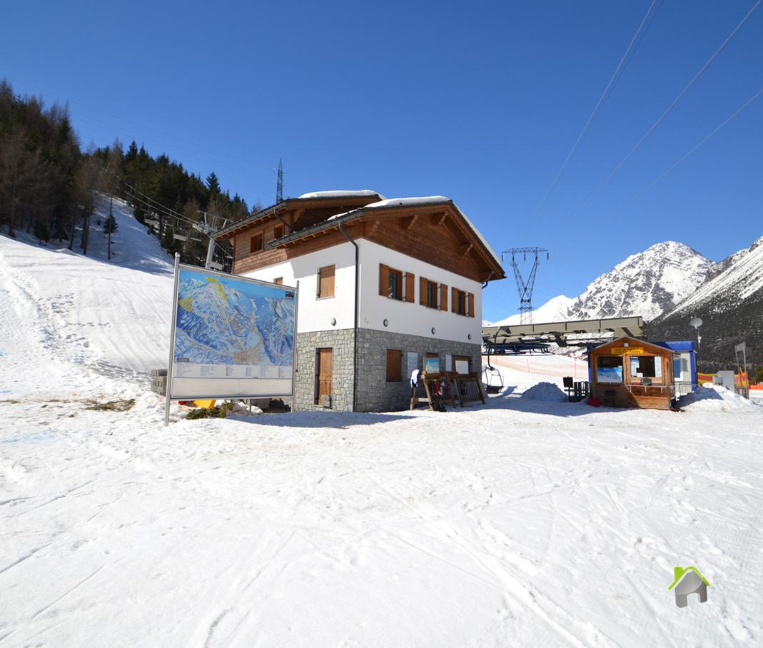 Soluzione Indipendente in affitto a Valdisotto, 12 locali, zona Zona: Oga, prezzo € 520.000   CambioCasa.it