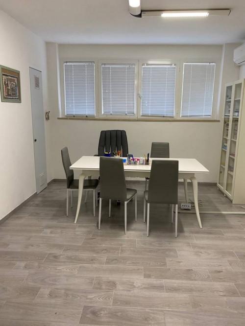 Studio/Ufficio in Affitto a Massa