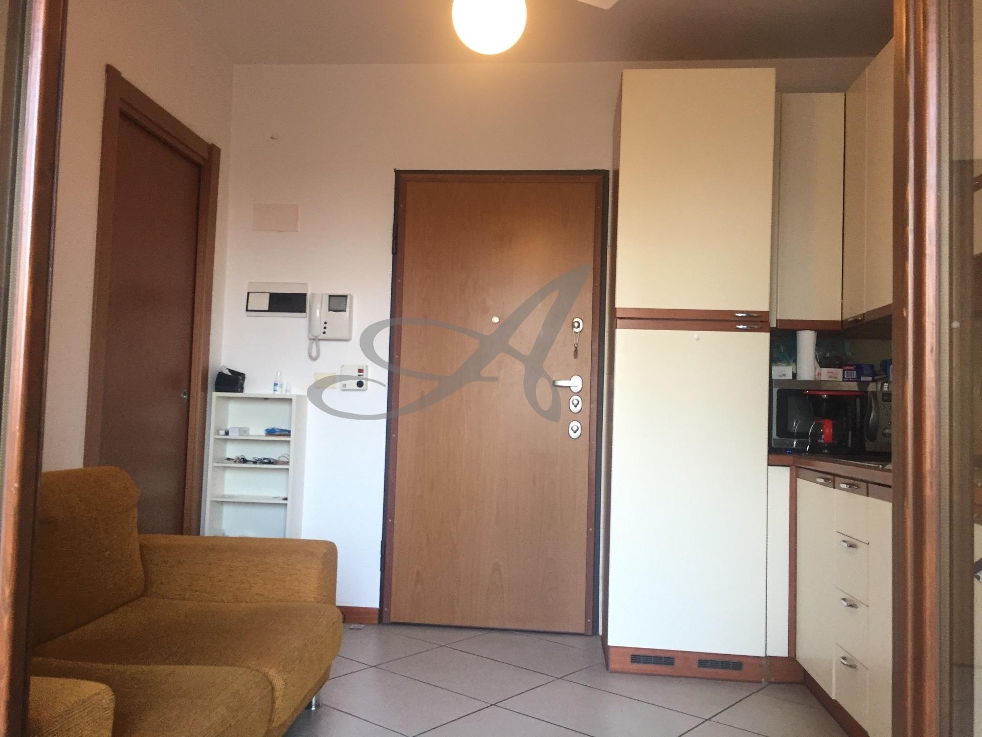 Milano | Appartamento in Affitto in Via Giacomo de Castilia | lacasadimilano.it