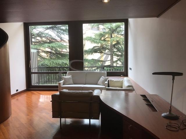Appartamento in affitto a Milano in Via Agostino Bertani
