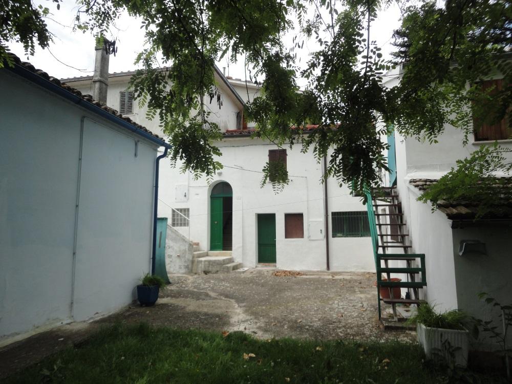 Appartamento in vendita a Apiro, 4 locali, prezzo € 22.000 | PortaleAgenzieImmobiliari.it
