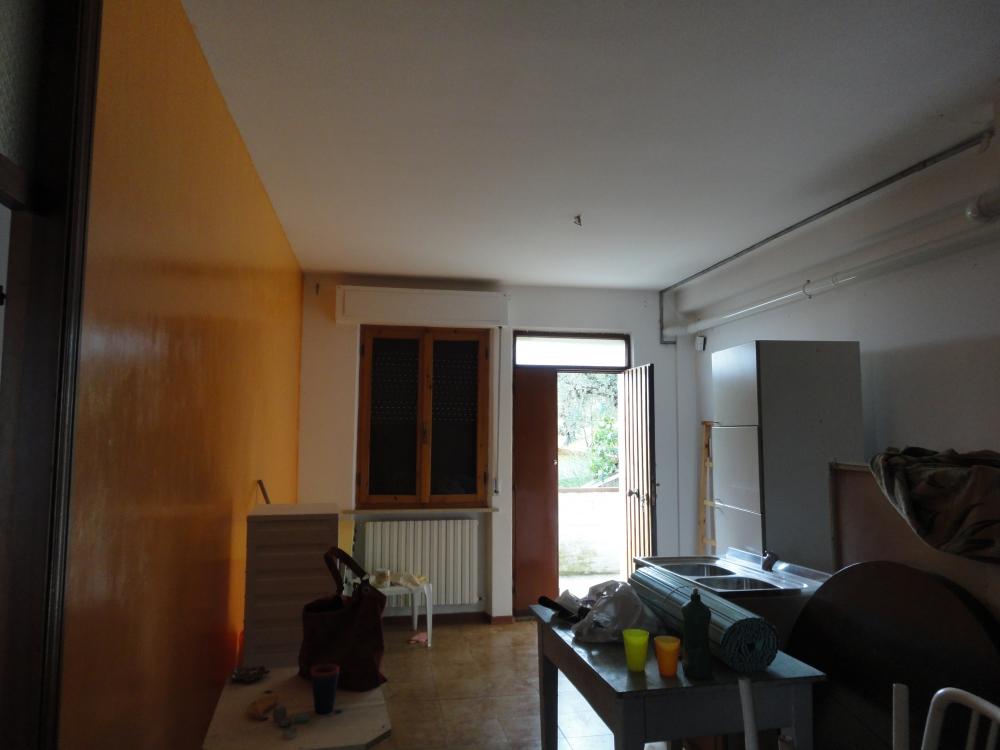 Appartamento in vendita a Rosora, 4 locali, prezzo € 48.000 | PortaleAgenzieImmobiliari.it