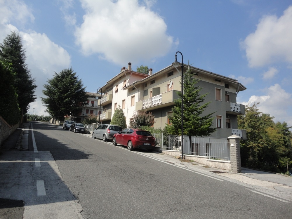Appartamento in vendita a Poggio San Marcello, 6 locali, prezzo € 120.000 | PortaleAgenzieImmobiliari.it