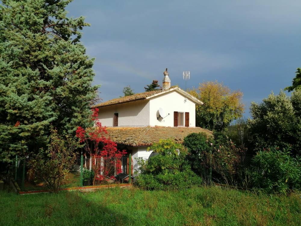 Villa in vendita a Serra San Quirico (AN)