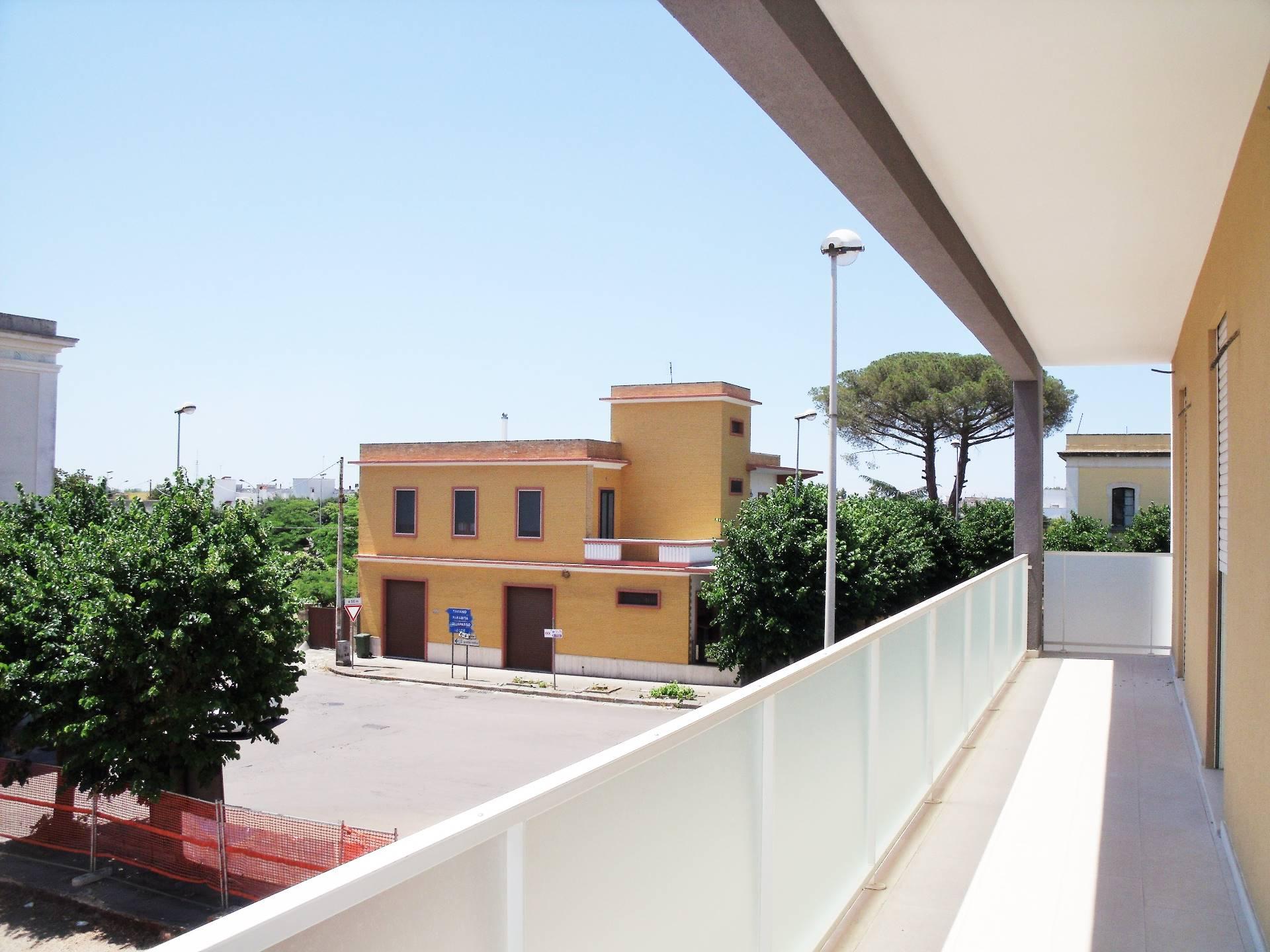 Appartamento in vendita a Matino, 5 locali, prezzo € 110.000 | Cambio Casa.it
