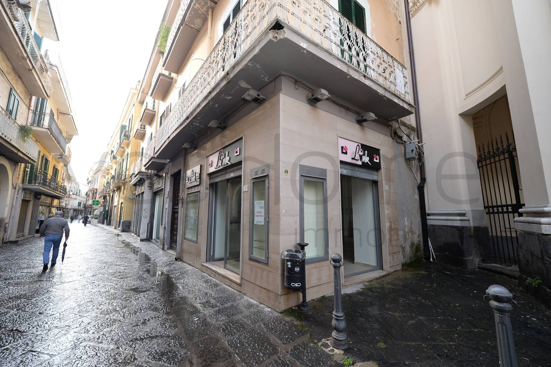 Locale commerciale in affitto a nola cod 148 for Affitto commerciale